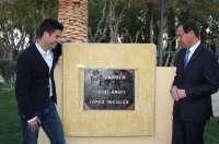 La pedanía de Llano de Brujas dedica un jardín al atleta Miguel Ángel López