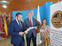 Los actos del 'Medio Año Festero' de Moros y Cristianos de Murcia comienza con la presentación de las abanderadas