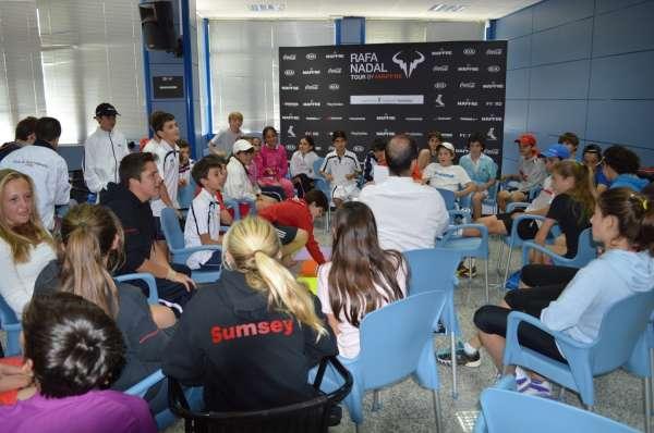 El circuito juvenil Rafa Nadal Tour by Mapfre arranca en Sevilla