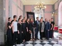 La compañía de Carmen y Matilde Rubio estrena el espectáculo 'Flamenco de Vino y Rosas' este viernes en el Teatro Romea