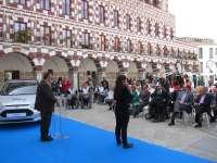 Ford y Fundación ONCE presentan en Extremadura un plan que facilita que discapacitados puedan probar coches adaptados