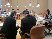 Los grupos trasladan al debate plenario la problemática del cerco pese a que la conselleira rechazó comparecer