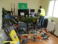 Detenidos dos jóvenes de Curtis por al menos 17 robos en viviendas de las provincias de Lugo y A Coruña