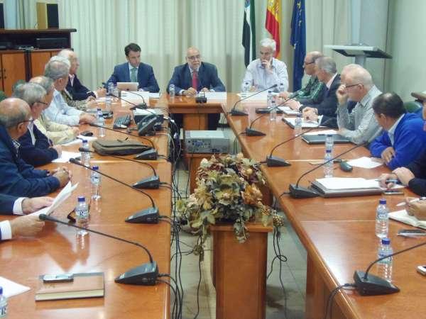 Echávarri avanza un nuevo decreto de ayudas a regantes por 10 millones para modernizar y consolidar infraestructuras