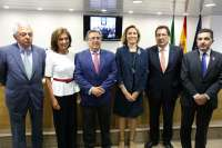 Junta, Consistorio y US apuestan por aunar esfuerzos para impulsar el emprendimiento como oportunidad de futuro