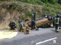 Dos personas heridas en un accidente de tráfico en Cangas del Narcea