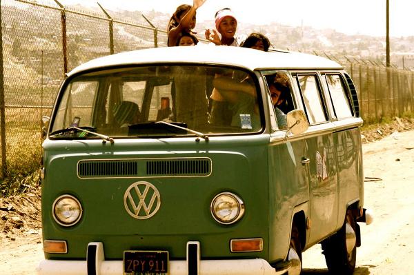 Antón Calderón y María RoyO recorrieron en 2011 alrededor de 20.000 km por América Latina conduciendo una T2 del año 69.