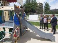Valladolid, primera ciudad en instalar un columpio 'smart' que incorpora contenido digital sobre cuentos infantiles