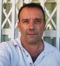 El poeta murciano Tomás Guillén recita este lunes en los 'Lunes Literarios' del Café Zalacaín