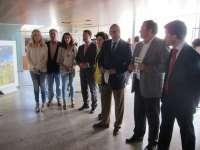 Una muestra fotográfica muestra en el Parlamento extremeño los valores naturales de Alqueva y el Tajo Internacional