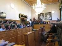 (AM)Vía libre para que Hernández asuma la Alcaldía de Santiago tras ratificar el pleno la renuncia de ocho ediles