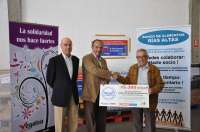 Vegalsa-Eroski dona casi 4.600 kilos de productos al banco de alimentos Rías Altas de A Coruña