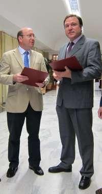 Loyola Andalucía y el Ayuntamiento firman un convenio marco para