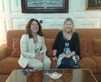 Carmen Alba se reúne con la vicecónsul británica en España para mantener