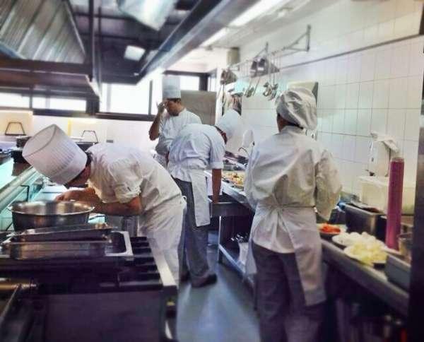 La Cónsula recibe un total de 329 solicitudes de Cocina y Sala para el próximo curso escolar