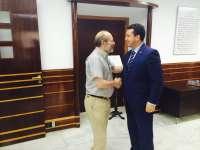 El presidente del Parlamento de Extremadura avanza que julio será un mes de
