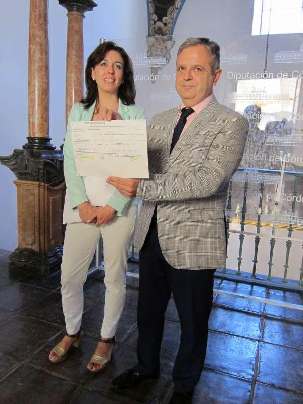 El gobierno del PP en la Diputación acredita el destino de la paga extra de 2012 a Cáritas y a Cinco Caballero