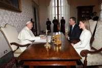 Felipe VI renueva la invitación al Papa para que visite España en 2015 en el Año Jubilar de Santa Teresa de Jesús