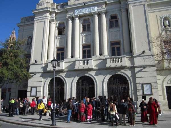 Carmona aprueba las obras del plan, con 658.000 euros para mejorar Teatro Cerezo y zonas verdes