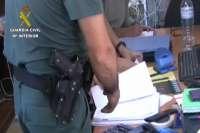 La Guardia Civil incauta cientos de kilos de angulas que se exportaban de forma ilegal