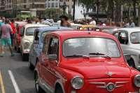 Un centenar de Seat 600 recorren la ciudad en la III Concentración Nacional de la Feria de Julio