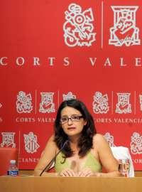 Mónica Oltra se presenta a como candidata de Compromís a la Generalitat y pide primarias abiertas