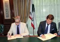 Unicaja renueva su apoyo a la Agrupación de Cofradías de Málaga con un nuevo convenio de colaboración