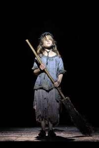 Buscan a niñas en Murcia para cantar y actuar en el musical de 'Los Miserables'