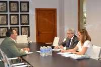 El Gobierno extremeño inicia con PREx-CREx la ronda de contactos con los grupos para pactar la próxima reforma fiscal