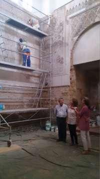 La delegada de Cultura visita las obras de conservación y mejora de la Sinagoga de Córdoba