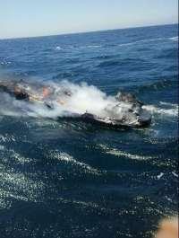 Rescatado el único tripulante de una embarcación que ardió en las proximidades de las Illas Gabeiras, cerca de Ferrol