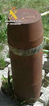 Explosionan un proyectil de artillería que un vecino encontró junto a una carretera en Burgos