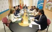 La Generalitat aprueba el nuevo reglamento de Gobernación tras el traspaso de bandas y pilota a Educación
