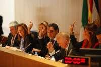 La Diputación acuerda pedir a la Junta Electoral Central que se pronuncie sobre la destitución de Lucena