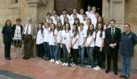 Martínez anima a jóvenes descendientes de emigrantes asturianos a mantener su vinculación con el Principado