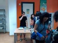El programa de intercambio de libros de texto se desmarca de la iniciativa 'Ningún niño sin cenar'