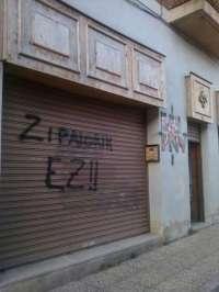 PNV denuncia la aparición de pintadas en el Batzoki de Agurain (Álava)
