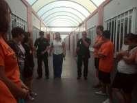 Padres del Cremona llevan a sus hijos sin matricular al aula suprimida para reivindicar la reapertura