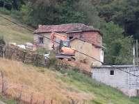 Ecologistas piden que se paralice la instalación de una antena de telefonía en Otariello