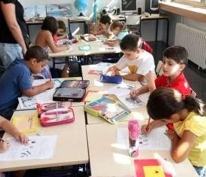 Català señala que si se suspendieran las clases cada vez que hace calor
