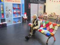 Una reinterpretación en ganchillo del barrio de La Magdalena se exhibe en el Centro de Historias