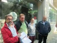 Fruga reúne 2.061 firmas en apoyo al ganadero multado por los excrementos de vaca en un vial de Santiago