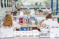 La industria farmacéutica reduce un 4,6% su inversión en I+D en España en 2013, cuando Cantabria obtuvo 3,9 millones