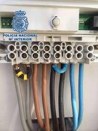 Dos detenidos por manipular contadores de la luz para ahorrar hasta un 50%