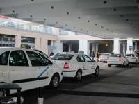 Taxistas de la capital fijan un calendario de movilizaciones, con huelgas en Navidad, Semana Santa y Feria