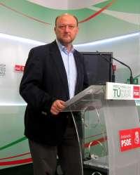 Pradas (PSOE) avisa a Rajoy de que cometerá