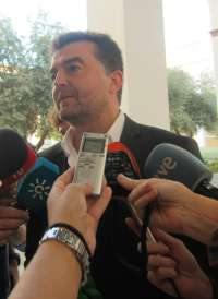 Maíllo se enteró por los medios de comunicación de que Díaz presentará un plan de empleo ante el Gobierno y la UE