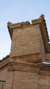 La restauración de la iglesia del Salvador de Valencia descubre restos de antiguas gárgolas renacentistas
