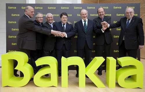 Directivos de Bankia, entre ellos Rodrigo Rato, en el centro