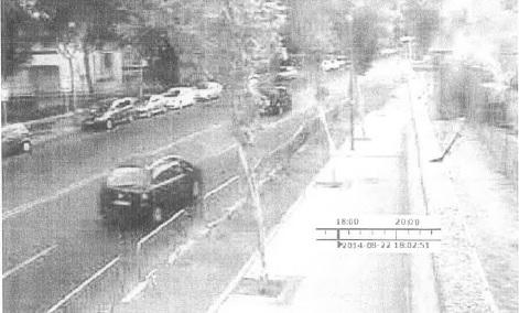 El Citröen Xara Picasso, que conducía Antonio, grabado por una cámara del complejo policial de Canillas minutos antes de secuestrar a la niña del 22 de agosto.